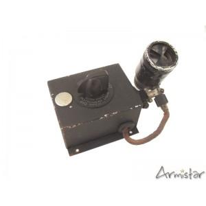 https://www.armistar.com/611-2208-thickbox/ensemble-lampe-navigateur-radio-pilote-bombardier-usaaf-ww2.jpg