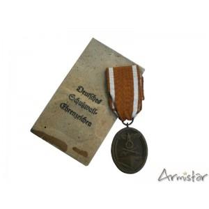 http://www.armistar.com/689-2571-thickbox/-medaille-du-mur-de-l-ouest-decoration-allemande-ww2.jpg