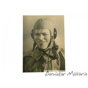 http://www.armistar.com/907-3553-thickbox/photo-pilote-allemand-ww2-luftwaffe-.jpg