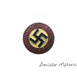 https://www.armistar.com/921-3624-thickbox/insigne-membre-du-nsdap-rzm-m1-108.jpg